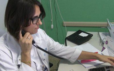 """Exigim que les infermeres continuïn fent el seguiment dels pacients amb COVID-19 sense cap mena de """"supervisió"""" mèdica"""